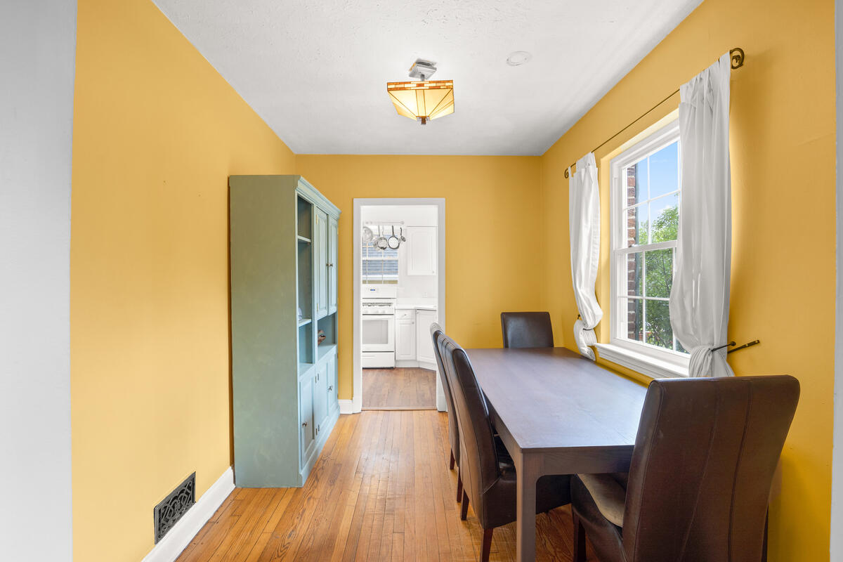 9112 Providence Ave-017-014-Interior-MLS_Size