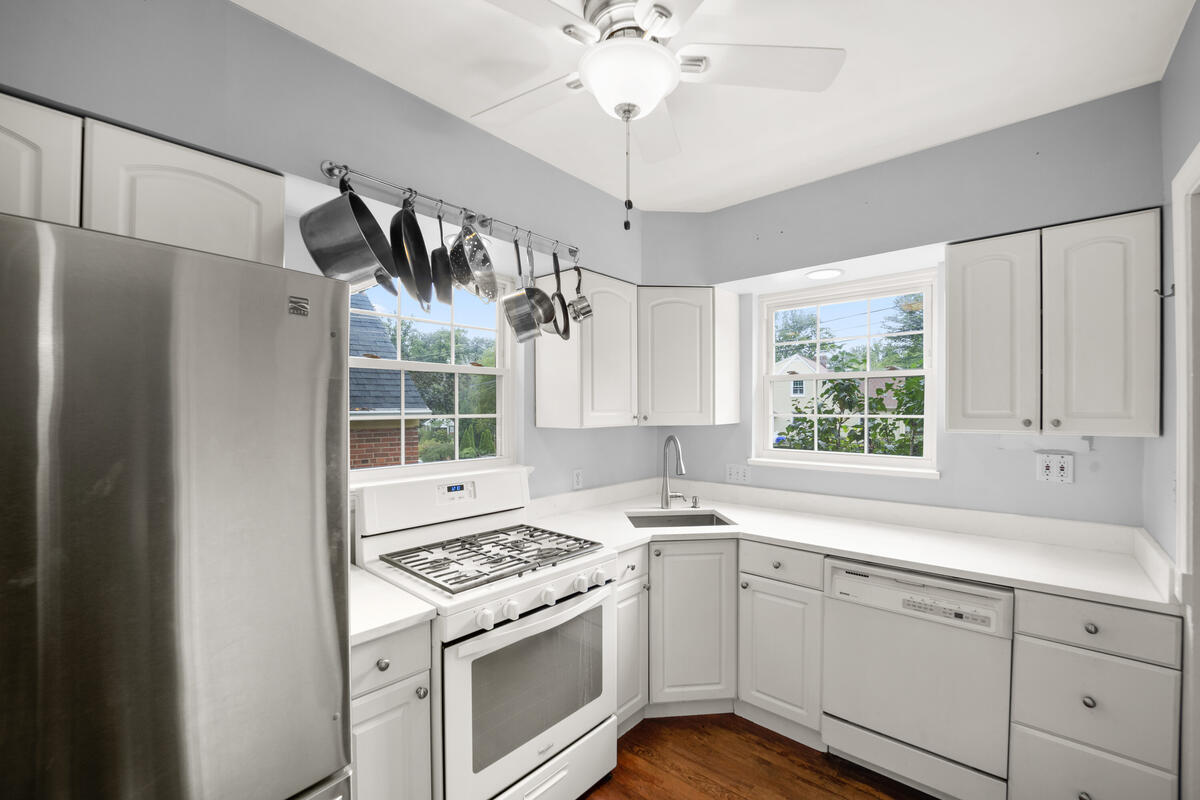 9112 Providence Ave-018-011-Interior-MLS_Size
