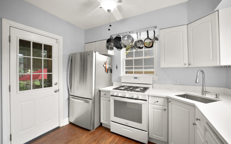9112 Providence Ave-019-009-Interior-MLS_Size