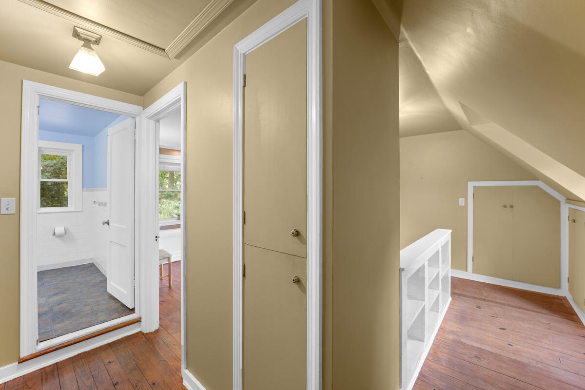 9112 Providence Ave-022-033-Interior-MLS_Size