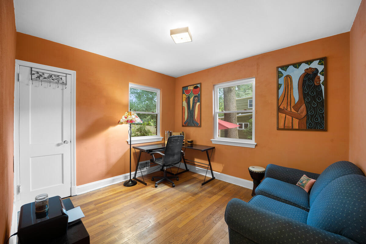 9112 Providence Ave-026-030-Interior-MLS_Size