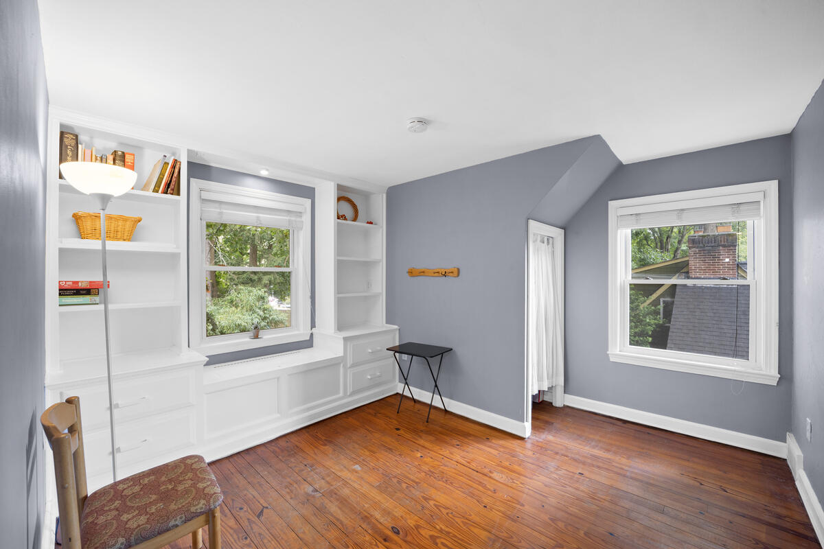 9112 Providence Ave-030-027-Interior-MLS_Size