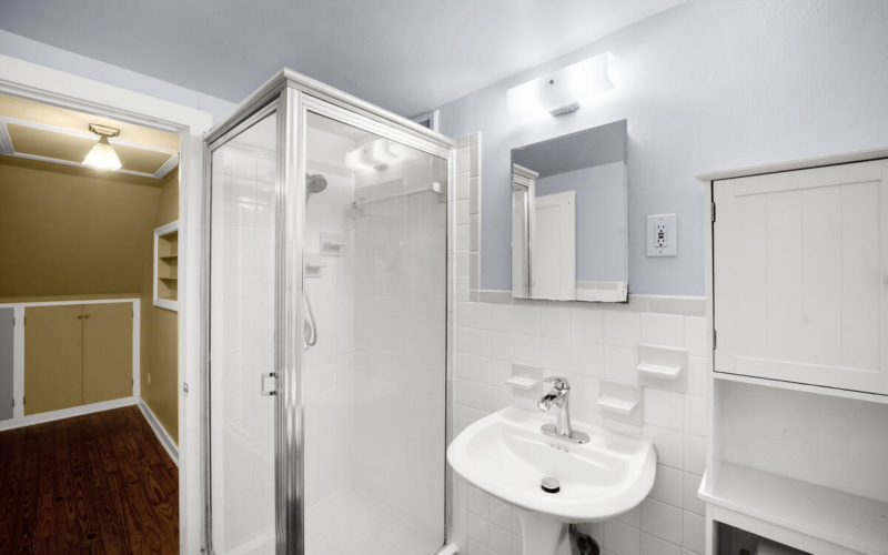 9112 Providence Ave-035-024-Interior-MLS_Size