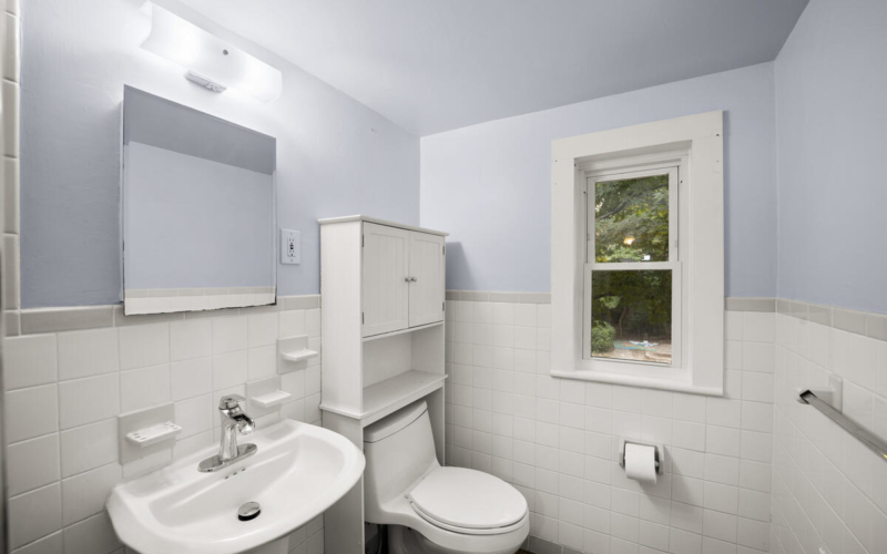 9112 Providence Ave-036-035-Interior-MLS_Size