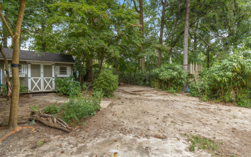 9112 Providence Ave-043-041-Exterior-MLS_Size