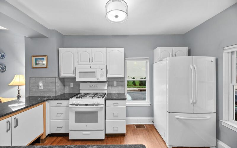 933 Montgomery St-015-024-Interior-MLS_Size