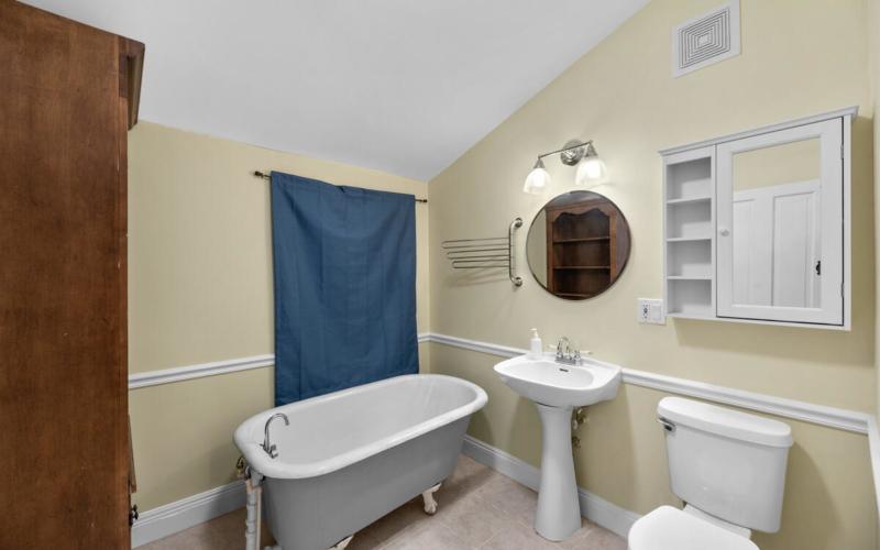 933 Montgomery St-033-028-Interior-MLS_Size