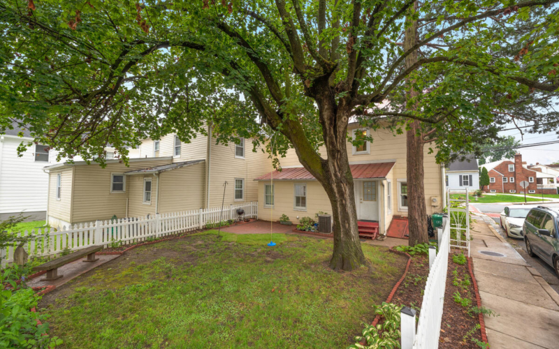 933 Montgomery St-045-039-Exterior-MLS_Size