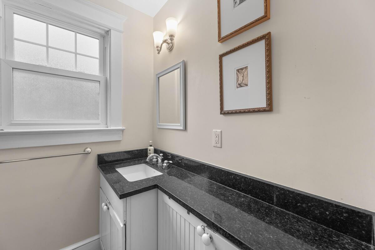 2012 Luzerne Ave-031-009-Interior-MLS_Size