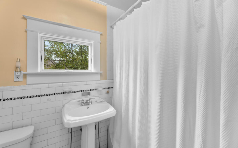 2012 Luzerne Ave-038-022-Interior-MLS_Size