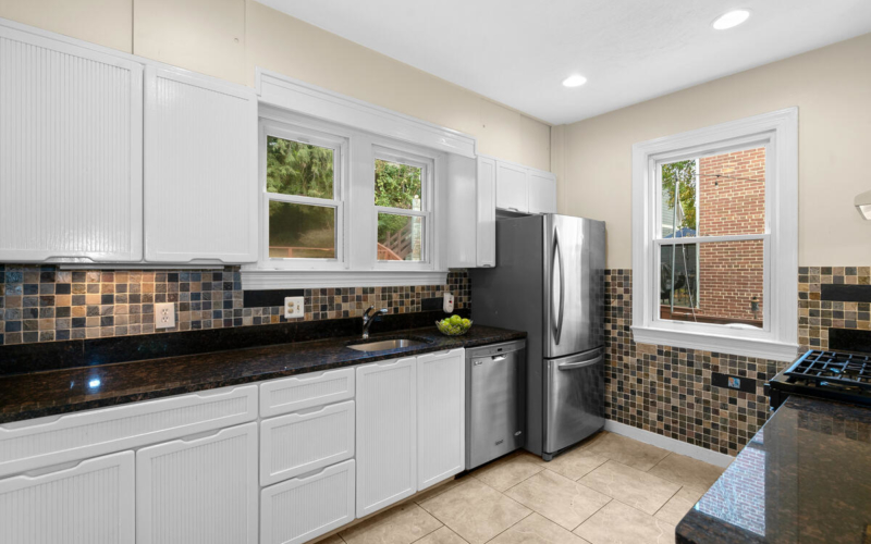 7504 Holly Ave-019-012-Interior-MLS_Size