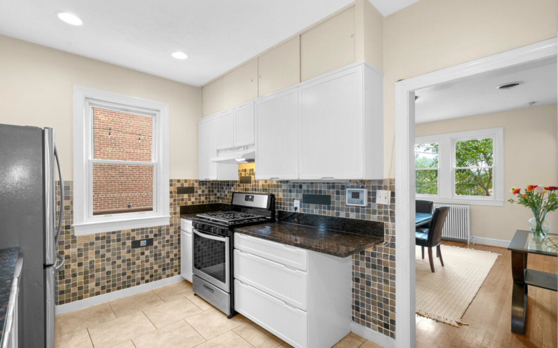 7504 Holly Ave-021-024-Interior-MLS_Size