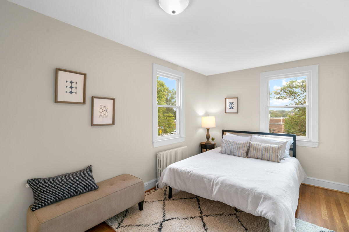 7504 Holly Ave-031-039-Interior-MLS_Size