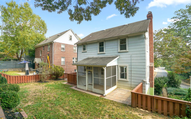 7504 Holly Ave-052-054-Exterior-MLS_Size