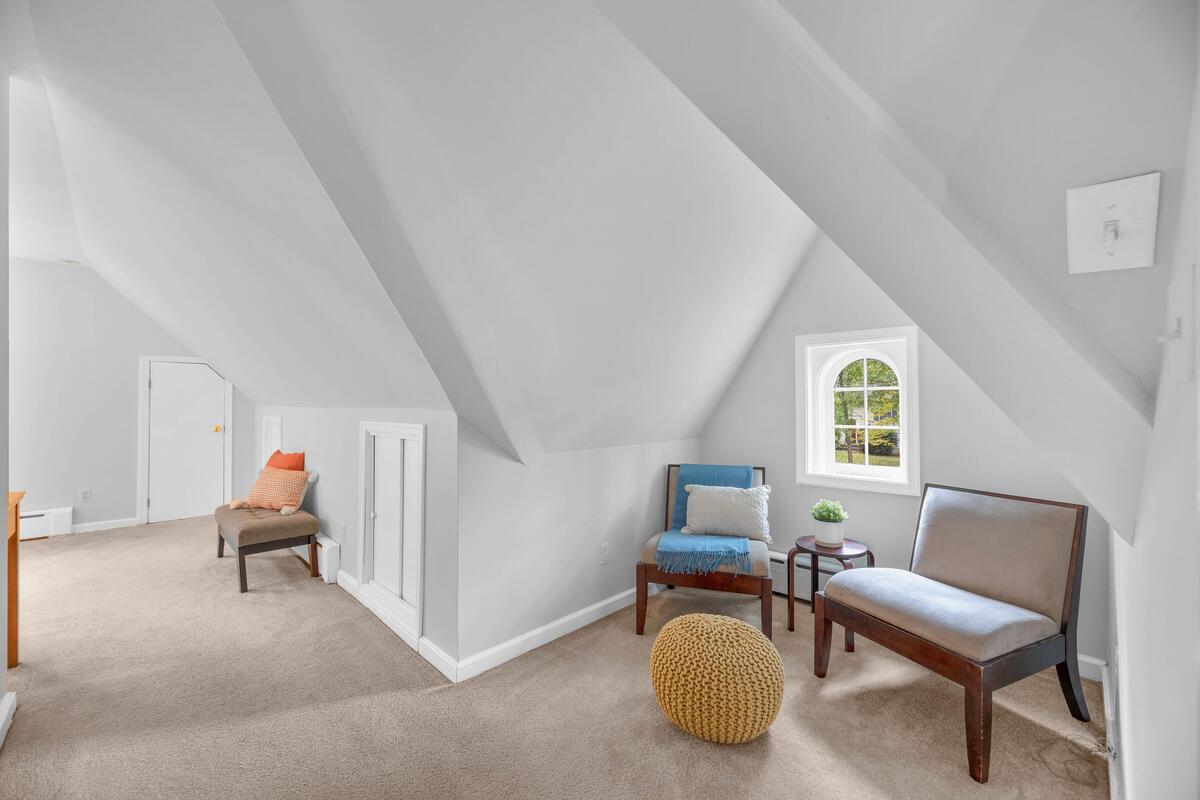 8902 Bradford Rd-036-022-Interior-MLS_Size